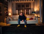 """Neue Kampagne """"Dafür sind Fernseher gemacht"""": HD+ sorgt für das vollkommene TV-Vergnügen"""