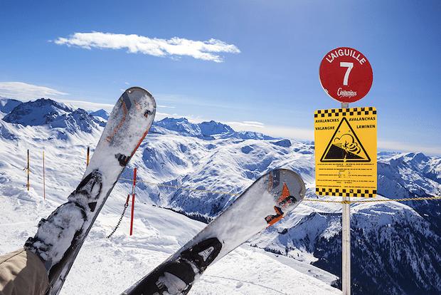 Photo of Sicher auf die Piste – Diese Versicherungen brauchen Wintersportler