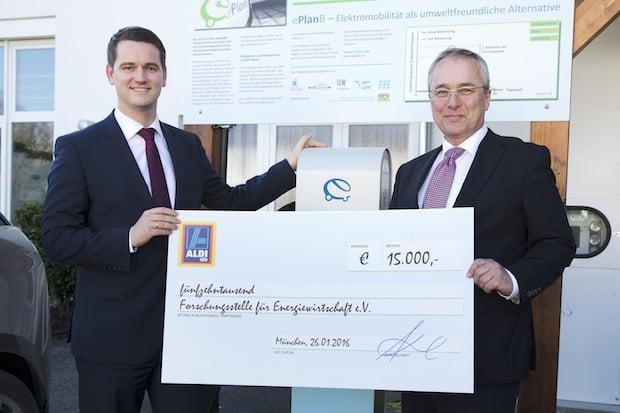 Photo of ALDI SÜD fördert mit 15.000 Euro die Forschungsstelle für Energiewirtschaft