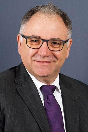 Photo of Jörg Angerstein wird neuer Vorstand Kommunikation bei terre des hommes