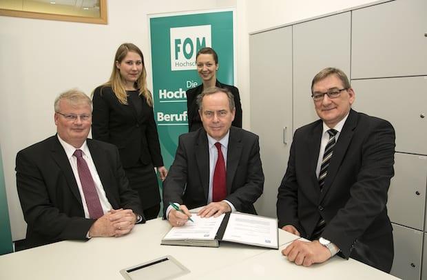 Photo of FOM Hochschule unterzeichnet Kooperationsvereinbarung mit LDT Nagold