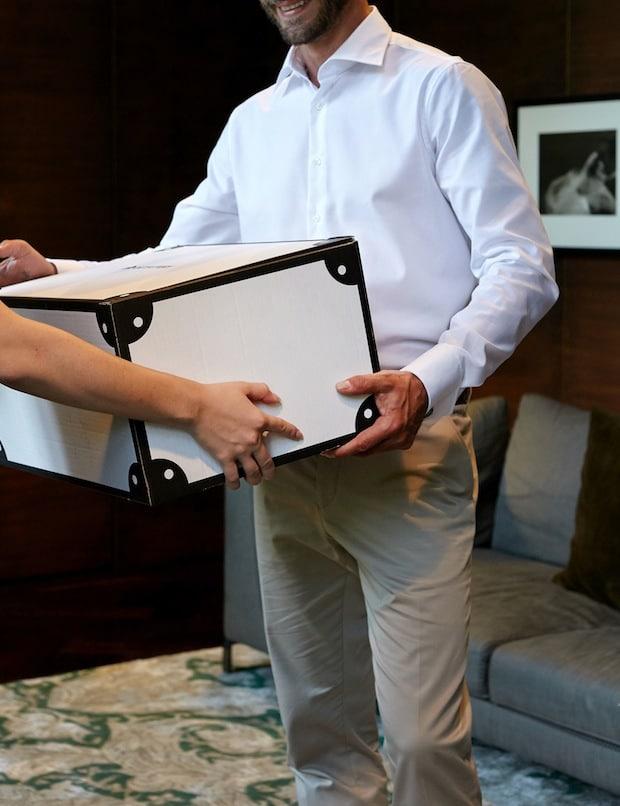 Photo of OUTFITTERY etabliert kostenlosen Abhol-Service europaweit mit UPS