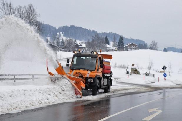 Winterdienst im Allgäu - Quelle: Daimler AG