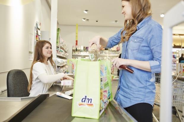 Photo of dm-drogerie markt schafft kostenlose Plastiktüten ab