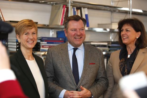 Susanne Klatten, Josef Schmid und Ilse Aigner (v.l.n.r.) - Quelle: obs/UnternehmerTUM GmbH