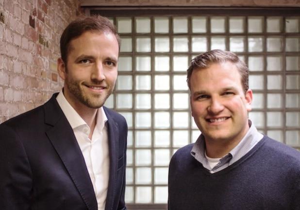 Die beiden Geschäftsführer der neu gegründeten Unternehmer-Schmiede Fabian Kienbaum (links), Geschäftsführer von Kienbaum, und Philipp Depiereux, Gründer und Geschäftsführer von etventure. Quelle: etventure GmbH/Kienbaum