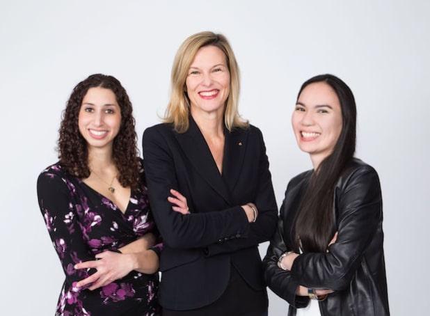 Kompetente Verstärkung auf Management-Ebene: Nesrin Elsawi (links im Bild), Anja Graw (mittig im Bild), Marylene Nguyen (rechts im Bild) - Quelle: OUTFITTERY