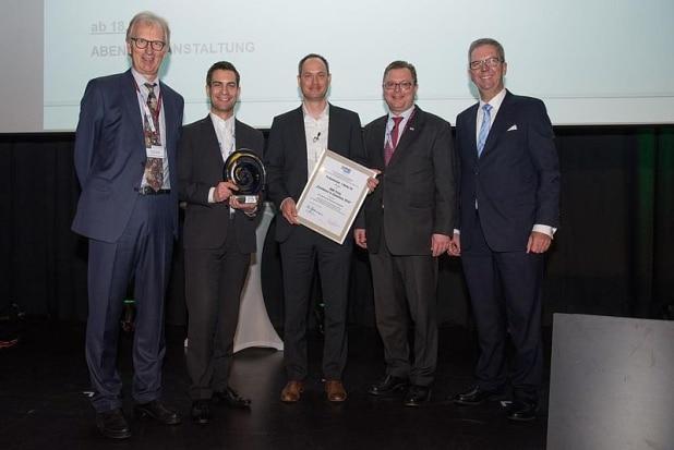 """Der BME hat die ProSiebenSat.1 Media SE mit dem BME-Preis """"Excellence in eSolutions 2016"""" ausgezeichnet. Foto: BME/Uebele"""