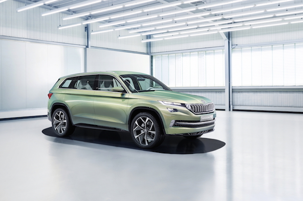 Photo of SKODA Showcar VisionS feiert Weltpremiere