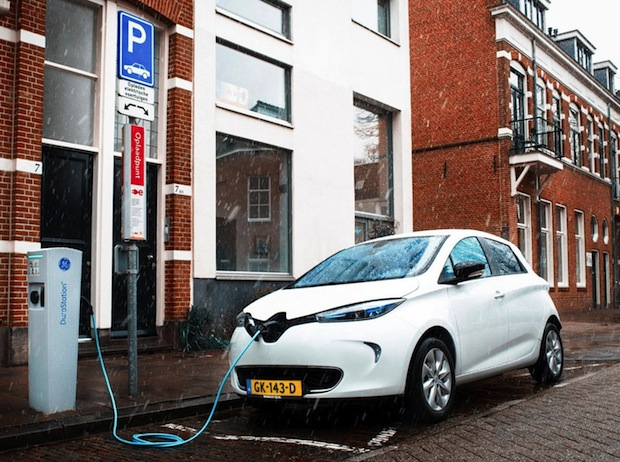 Bild von 150 Renault ZOE laden niederländischen Solarstrom