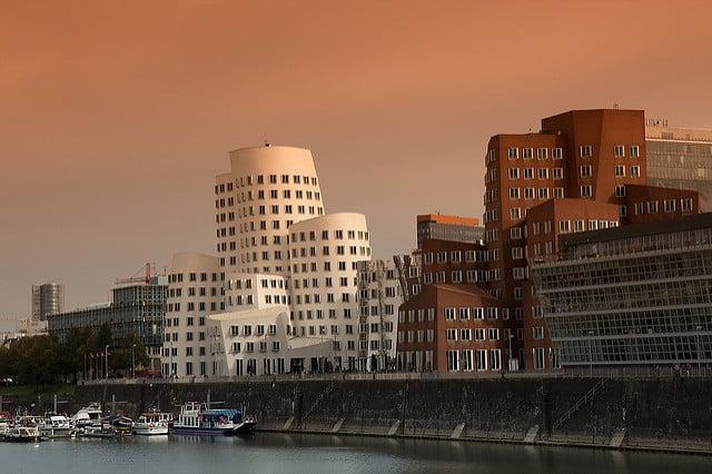 Bild von Immobilienmarkt: Wann und wo Wohnimmobilien kaufen?