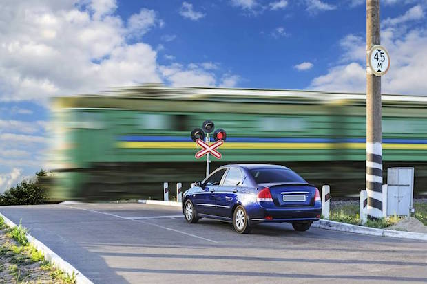 Photo of Unfallvermeidung: Das richtige Verhalten an Bahnübergängen