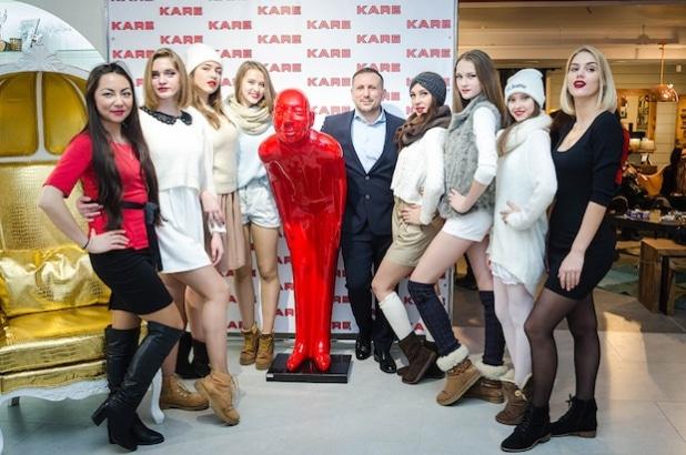 Heißer Lifestyle im frostigen Westsibirien – Startaufstellung vor dem Event zur Eröffnung von KARE Tomsk.Quelle: KARE Design GmbH