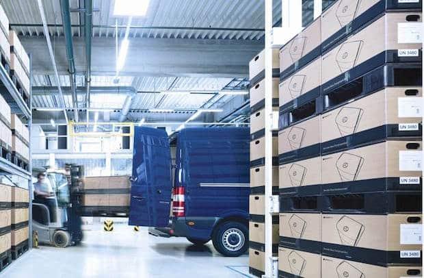 Bild von Daimler startet Auslieferung von Mercedes-Benz Energiespeichern für Privathaushalte