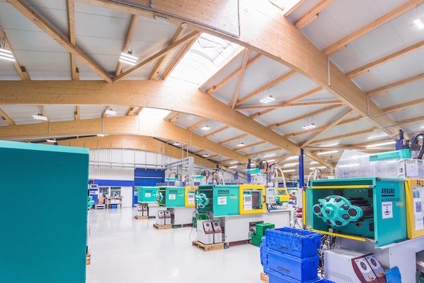 Bild von Alte und neue Produktion mit moderner LED-Beleuchtung