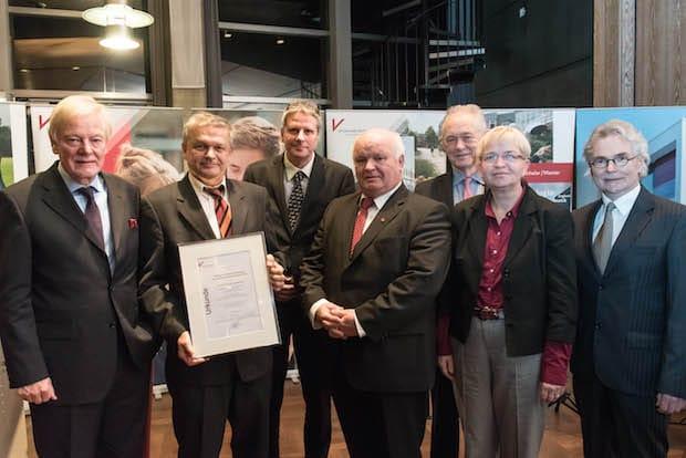 Bild von Vechtaer Reiseunternehmer Hans Höffmann stiftet mit 10.000 Euro dotierten Wissenschaftspreis