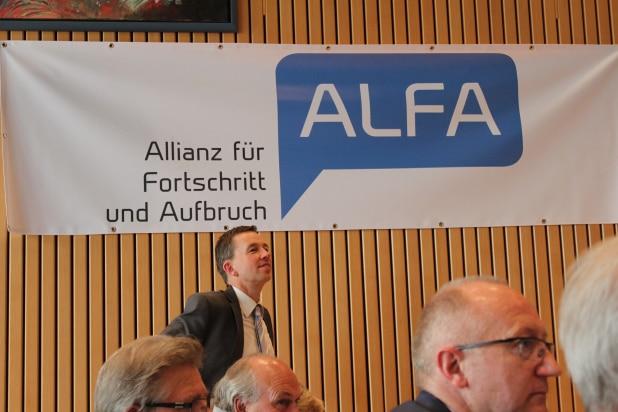 Braucht die Allianz für Fortschritt und Aufbruch (ALFA) bald ein neues Partei Logo? Bernd Lucke unterlag erstinstanzlich gegen die ALfa beim Landgericht Augsburg. Foto: Sven Oliver Rüsche