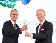 Stabwechsel bei Bayer: Werner Baumann folgt Dr. Marijn Dekkers