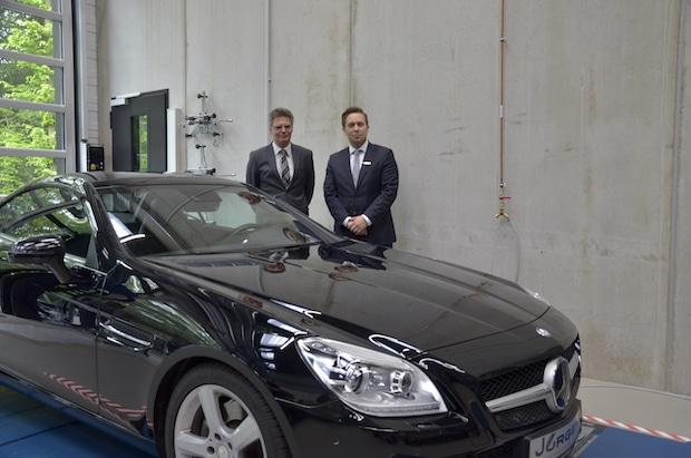 Photo of Daimler AG unterstützt Lehre mit einem Spendenfahrzeug