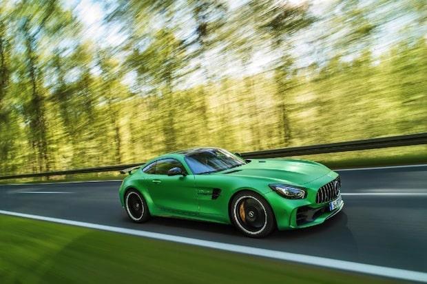"""Photo of Der neue Mercedes-AMG GT R: Entwickelt in der """"Grünen Hölle"""""""