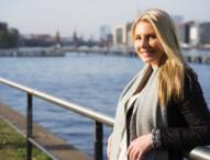 Das Internationale Immobilienunternehmen bietet zwei jungen Engländer/innen Starthilfe in die Europäische Union (EU)