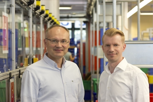 "Apotheker Konstantin Primbas, Kaufmann Hartmut Deiwick: ""Der Kunde muss den Liefer-Takt bestimmen."" Quelle: APONEO Apotheke"