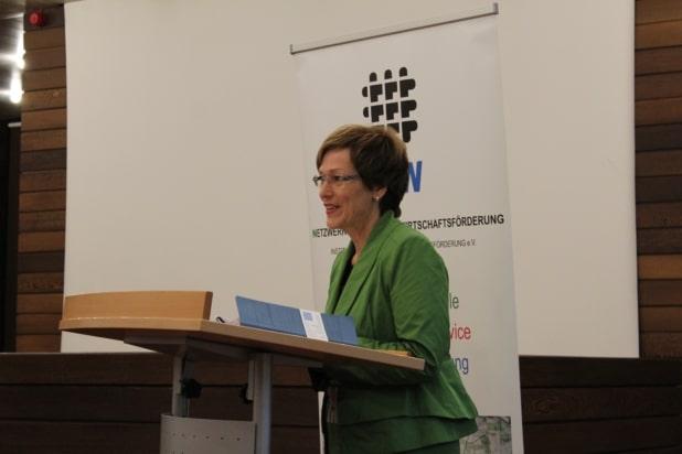 Iris Poth (Wirtschaftsförderung im Kreis Euskirchen) während der Auftaktveranstaltung.