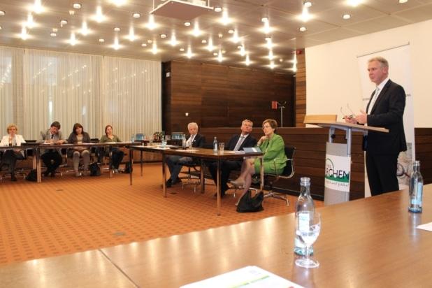 Foto: Norbert Finken ist in Euskirchen der Schulleiter und organisiert die Unternehmerschule.