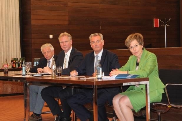 Foto (vlnr): Willi Jung, Norbert Finken, Peter Müller, Iris Poth.