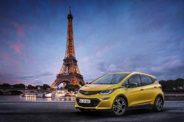 "Photo of ""e"" wie elektrisierend: Der Opel Ampera-e feiert Weltpremiere in Paris"