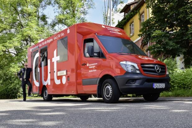 Mercedes-Benz Sprinter mit Berger Fahrzeugbau Spezialaufbau als erste mobile Bankfiliale der Kreissparkasse Göppingen