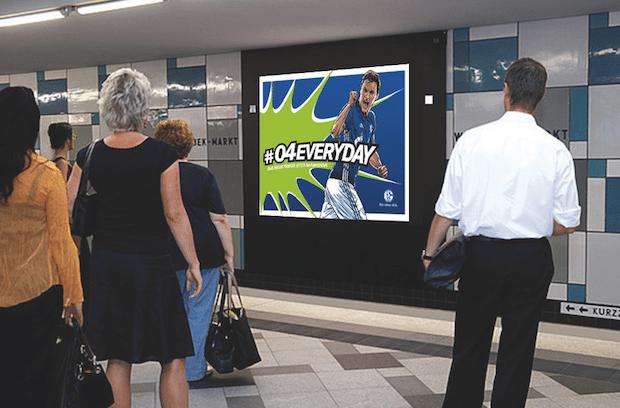 Photo of Außenwerbespezialist 1-2-3-Plakat.de unterstützt Fußball-Bundesligist FC Schalke 04 bei neuen Kampagnen