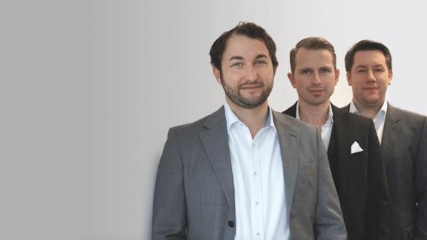Das Management-Team von FinTecSystems aus München (v.l.n.r.): Stefan Krautkrämer (CEO und Gründer), Martin Schmid (CSO) und Dirk Rudolf (COO und Gründer) haben die Serie-A-Finanzierungsrunde erfolgreich abgeschlossen. (Quelle: FinTecSystems GmbH)