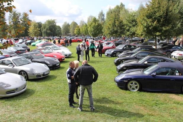 Mindestens 1.000 Porsche werden zum diesjährigen Treffen in Roding erwartet; die Teilnahmegebühr von 20 Euro je Fahrzeug wird bereits Ende August gespendet (Quelle: Mühlbauer GmbH & Co. KG)