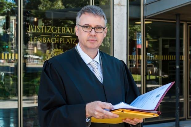 Photo of Keine Sorgen mit der Rechtsberatung –  Haftpflichtversicherung für Kammerberufe