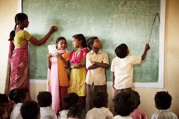 Photo of Miles & More und Mastercard ermöglichen Mikrospenden für soziale Projekte der help alliance