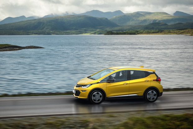 Photo of Absolut elektrisierend: Der Opel Ampera-e feiert Weltpremiere in Paris