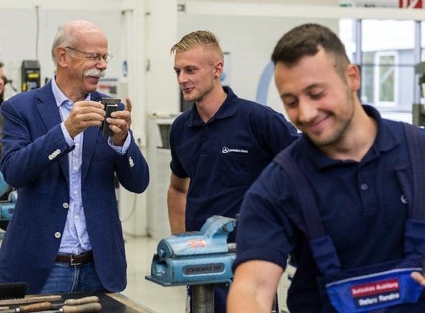 Photo of Investition in die Zukunft: rund 1.900 junge Menschen starten Ausbildung bei Daimler