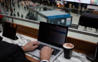 """3M Blickschutzfolien schützen PC-Bildschirme und Notebooks – Datenklau durch """"Visual Hacking"""""""