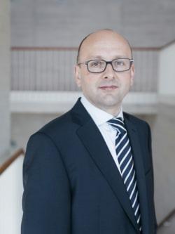 """Prof. Dr. Lucas F. Flöther, Kanzlei Flöther und Wissing - Quelle: Kanzlei """"Flöther & Wissing"""""""