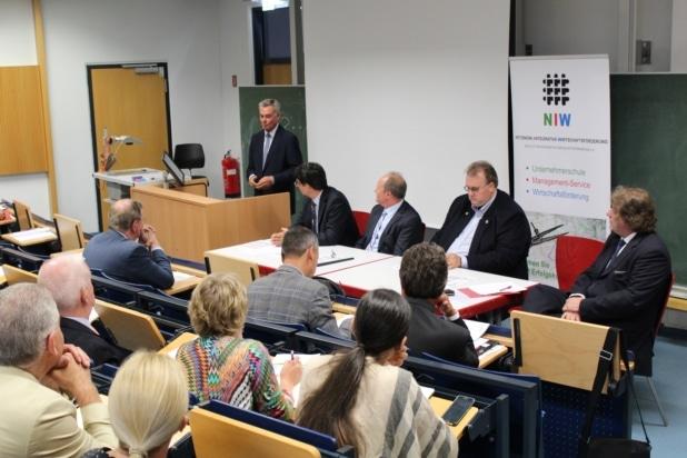Unternehmerschule Sankt Augustin startete mit Auftaktveranstaltung in der Uni Bonn-Rhein-Sieg.