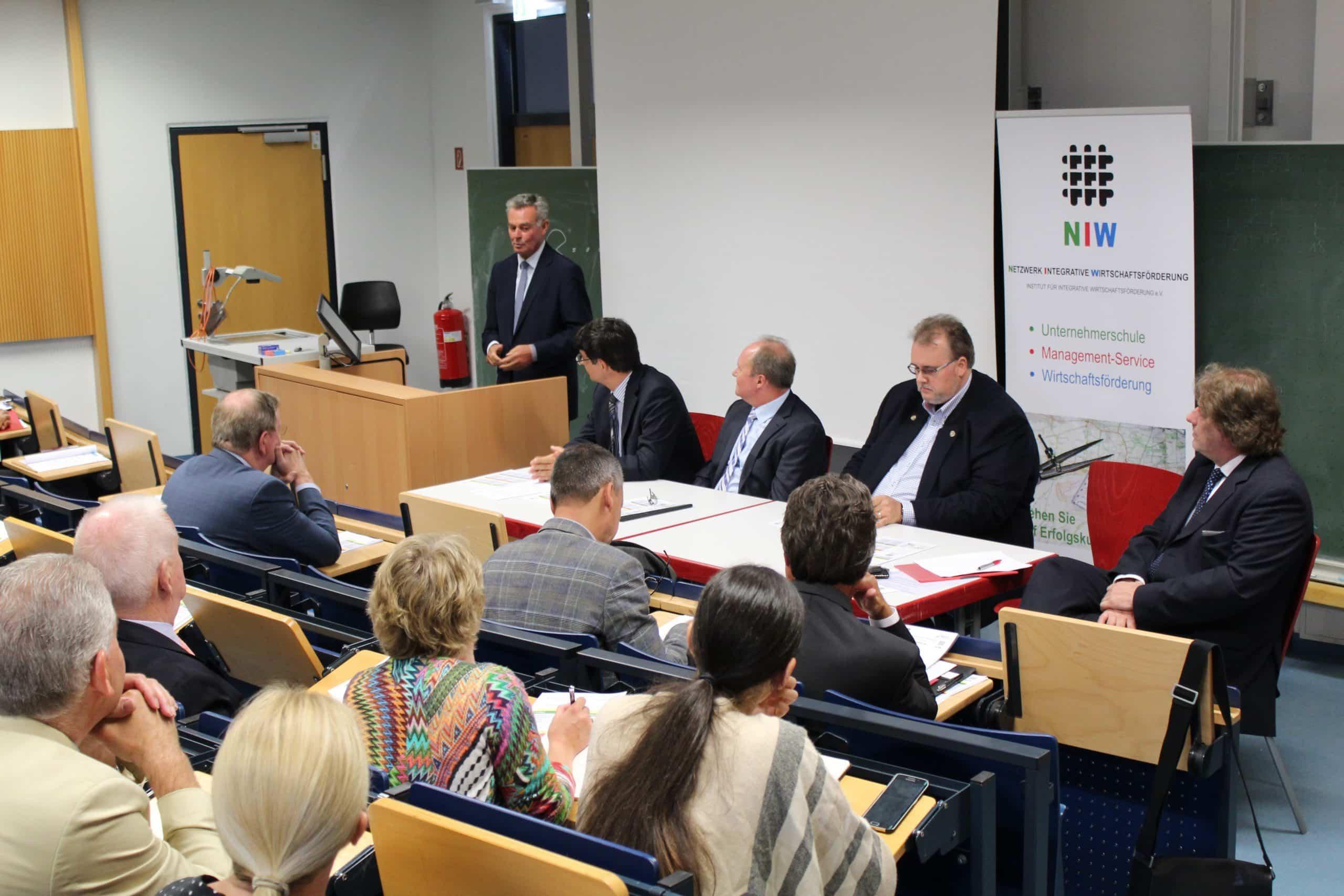 Photo of Unternehmerschule Sankt Augustin: Georg Fischer startet mit kompetentem Dozententeam