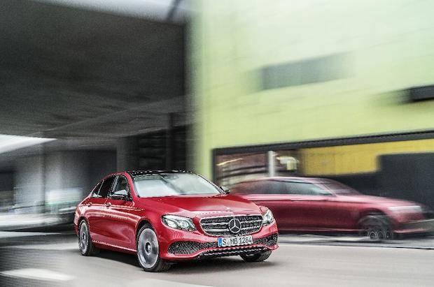 Bild von Mercedes-Benz setzt sich 2016 an die Spitze im Premiumsegment