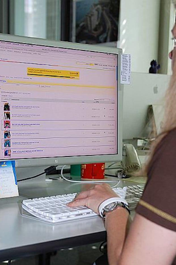 Photo of Privates im Job – Was ist am Arbeitsplatz erlaubt, was ist verboten?