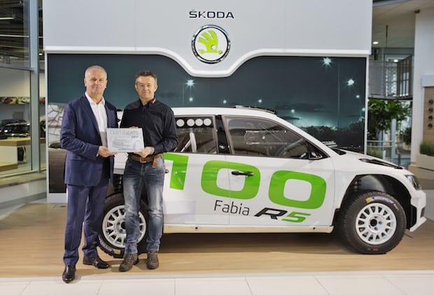 Photo of SKODA liefert 100. FABIA R5 an Kunden aus