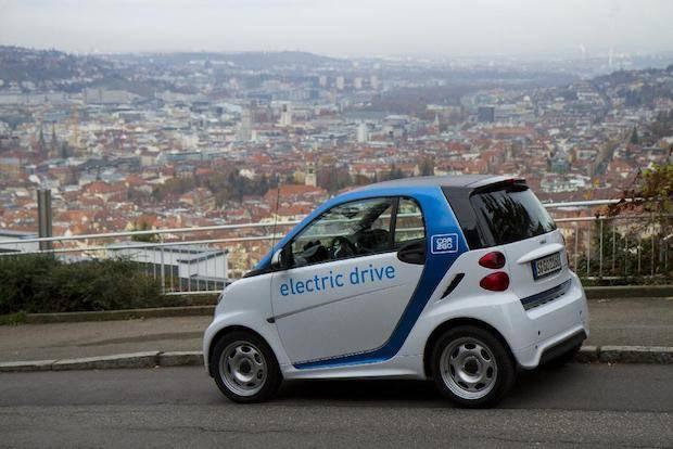 """Bild von """"Learning by driving"""": car2go ermöglicht immer mehr Menschen das Erlebnis E-Mobilität"""