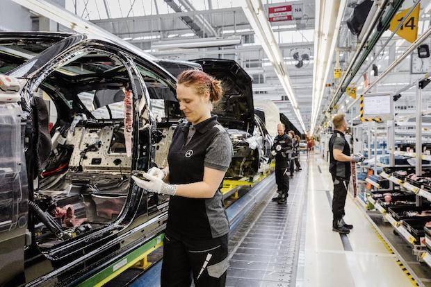 Photo of Mercedes-Benz Werk Sindelfingen produziert künftig Elektrofahrzeuge der neuen Produktmarke EQ
