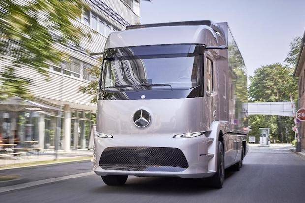 Photo of Kleinserie Mercedes-Benz Urban eTruck mit Elektroantrieb startet 2017