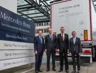 Starke Partner in der Nutzfahrzeugversicherung: Mercedes-Benz Bank und KRAVAG