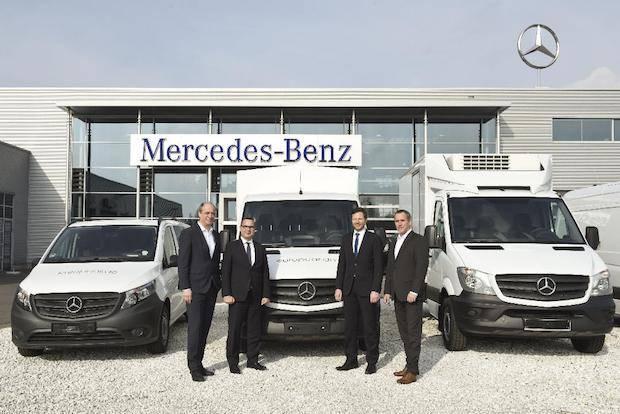 Bild von Großauftrag: Übergabe der ersten von insgesamt mehr als 2100 Mercedes-Benz Transporter an Europcar